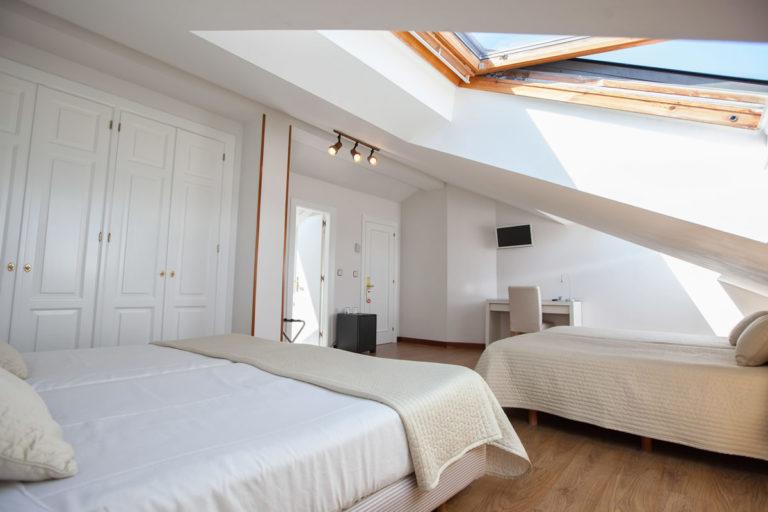 habitacion-bajo-cubierta-amplia1