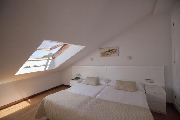 habitacion-bajo-cubierta-amplia2