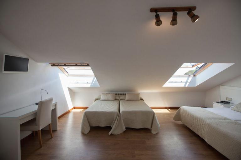 habitacion-bajo-cubierta-amplia3