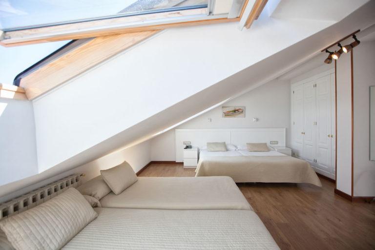 habitacion-bajo-cubierta-amplia4